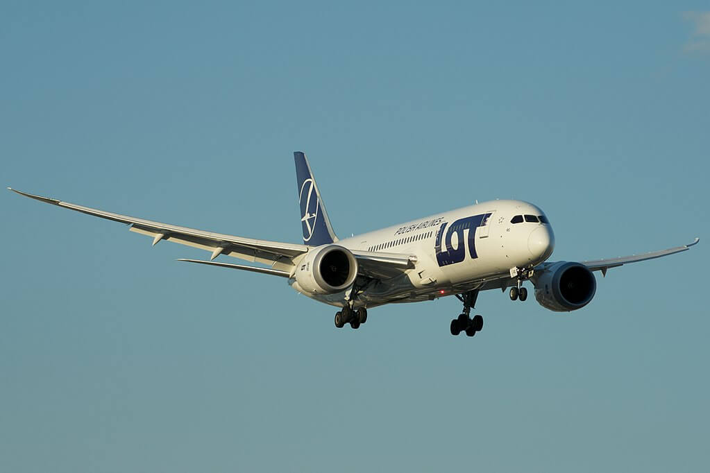 LOT Polish Airlines Boeing 787 8 Dreamliner SP LRC at Toronto Pearson International Airport