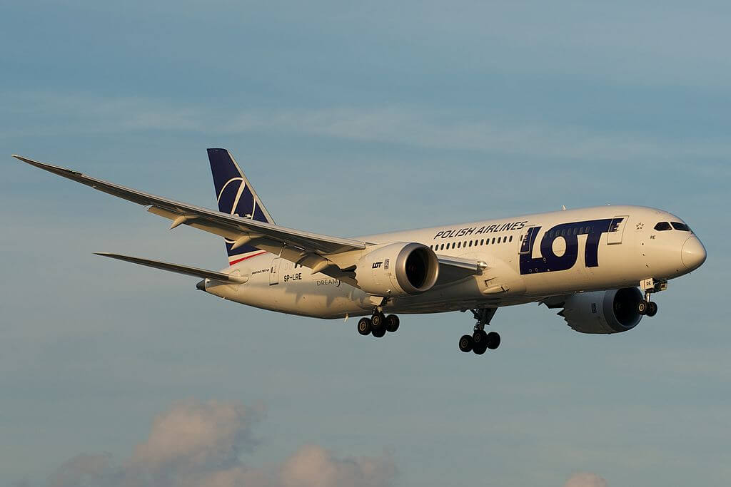 LOT Polish Airlines Boeing 787 8 Dreamliner SP LRE at Toronto Pearson International Airport