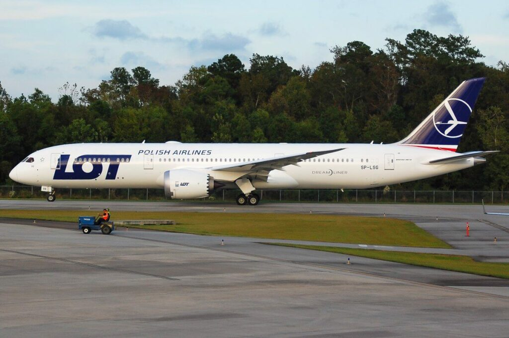 LOT Polish Airlines SP LSG Boeing 787 9 Dreamliner