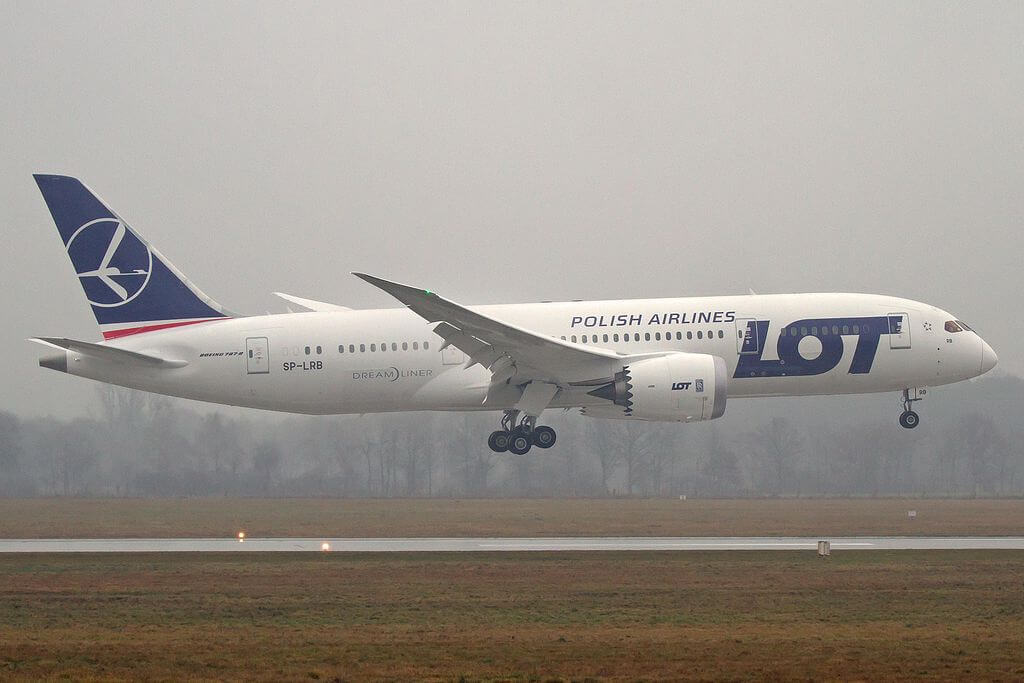 SP LRB Boeing 787 8 Dreamliner LOT Polish Airlines at Hannover Airport