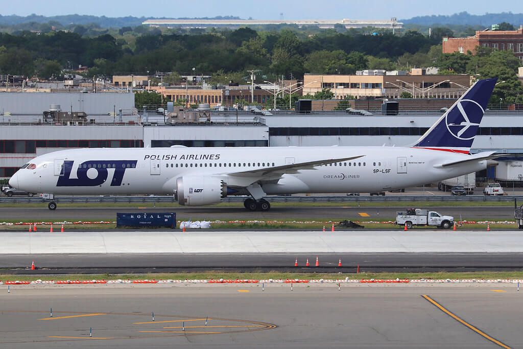 SP LSF Boeing 787 9 Dreamliner LOT Polish Airlines at New York JFK