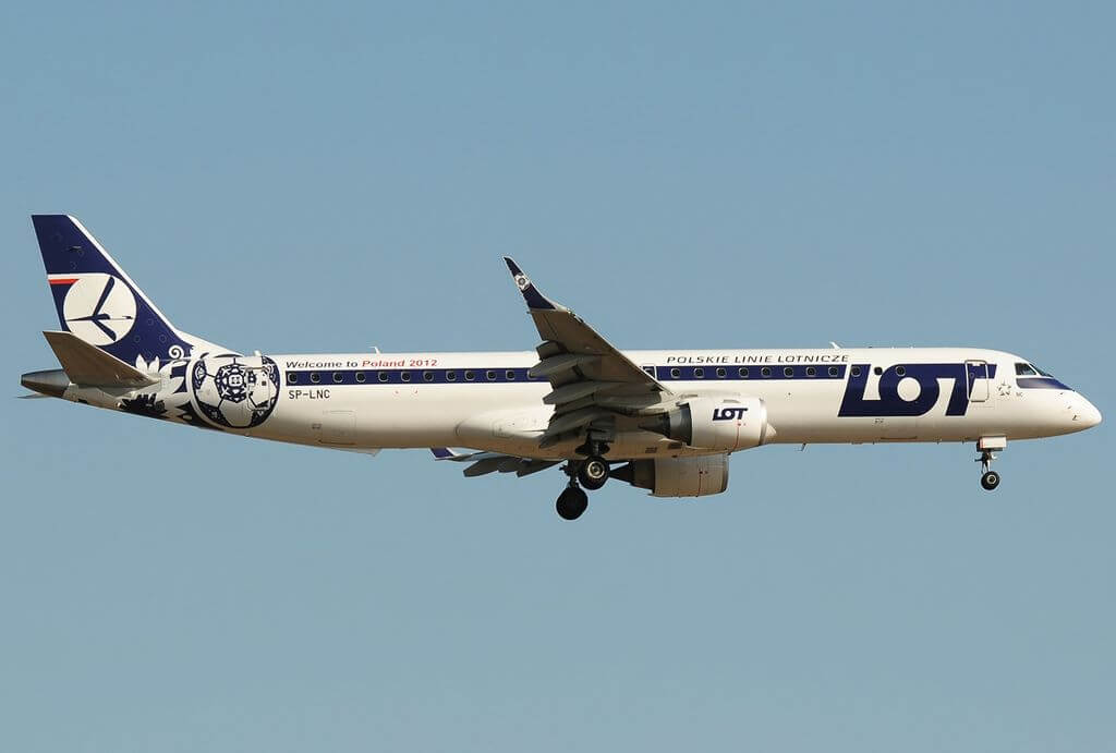 Embraer 190 200LR LOT Polish Airlines SP LNC at Frankfurt Airport