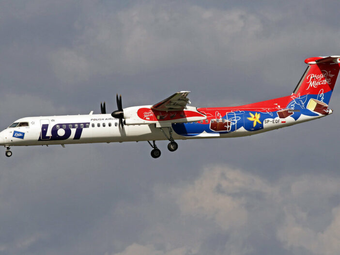 LOT Polish Airlines DeHavilland DHC 8 402Q SP EQF
