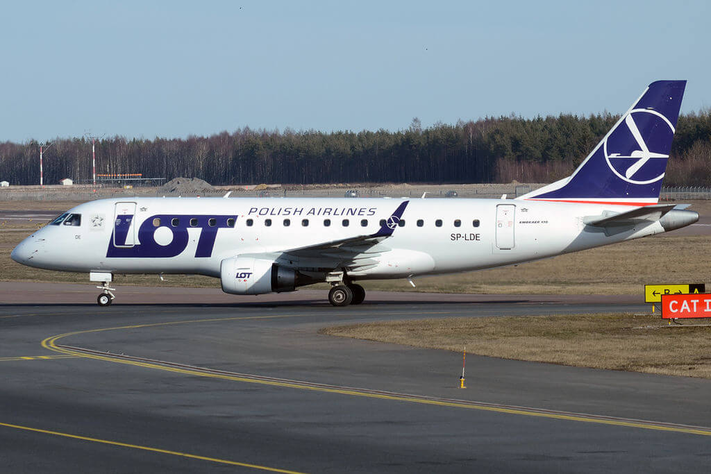 LOT Polish Airlines SP LDE Embraer ERJ 170STD at Tallinn Airport