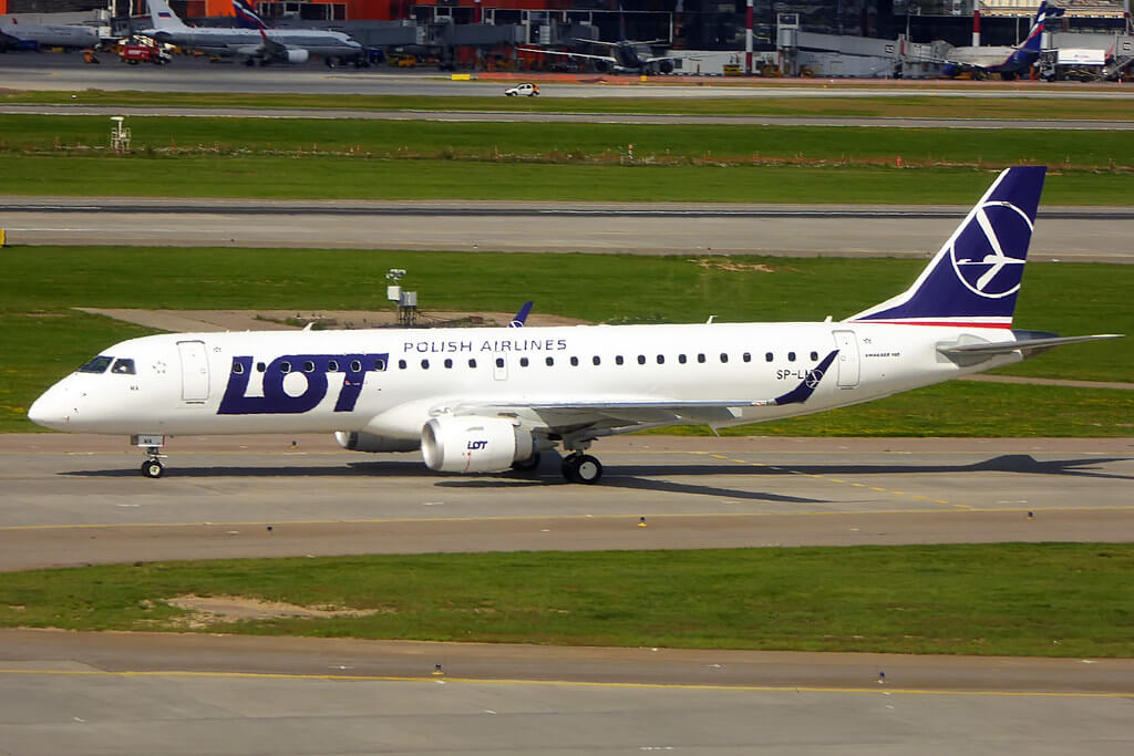 LOT Polish Airlines SP LMA Embraer ERJ 190 at SVO Airport