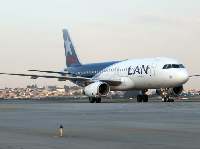 Airbus A320 232 LATAM LAN CC BAM at GRU Airport