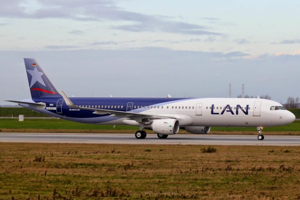 Airbus A321 211SL LATAM Airlines Chile LAN CC BEC at Hamburg