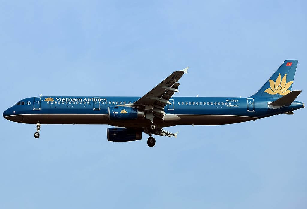Airbus A321 231 Vietnam Airlines VN A326 at Singapore Changi Airport