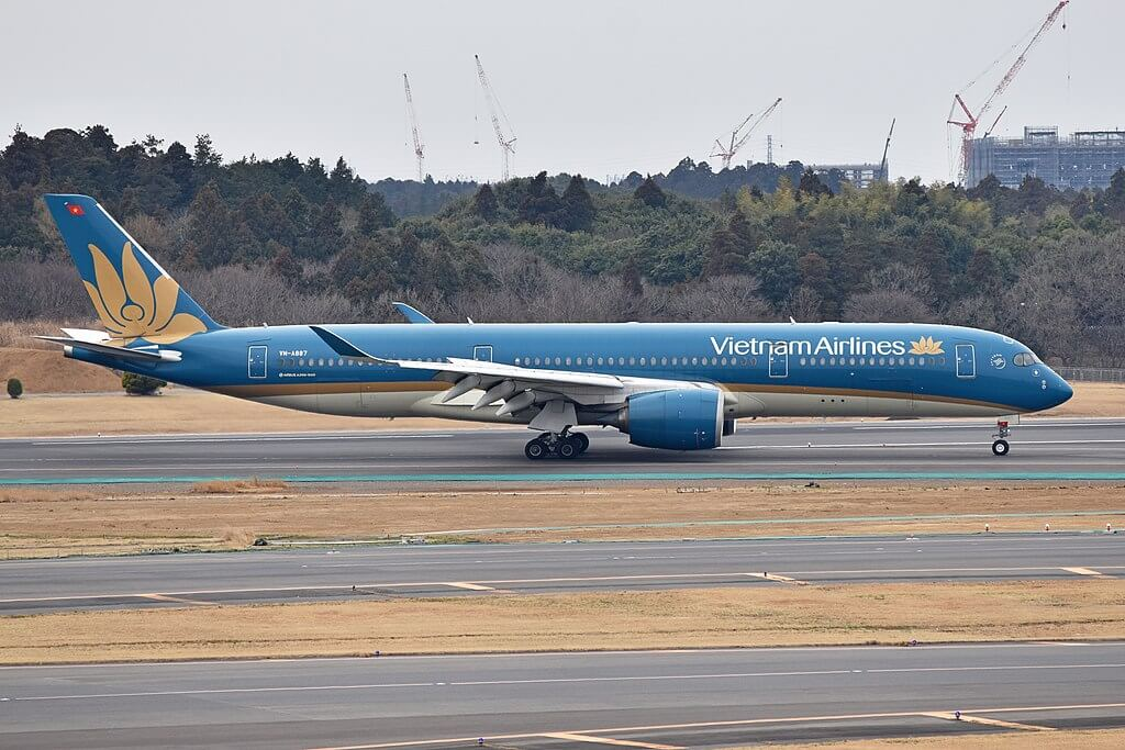 Airbus A350 941 VN A887 Vietnam Airlines at Narita International Airport