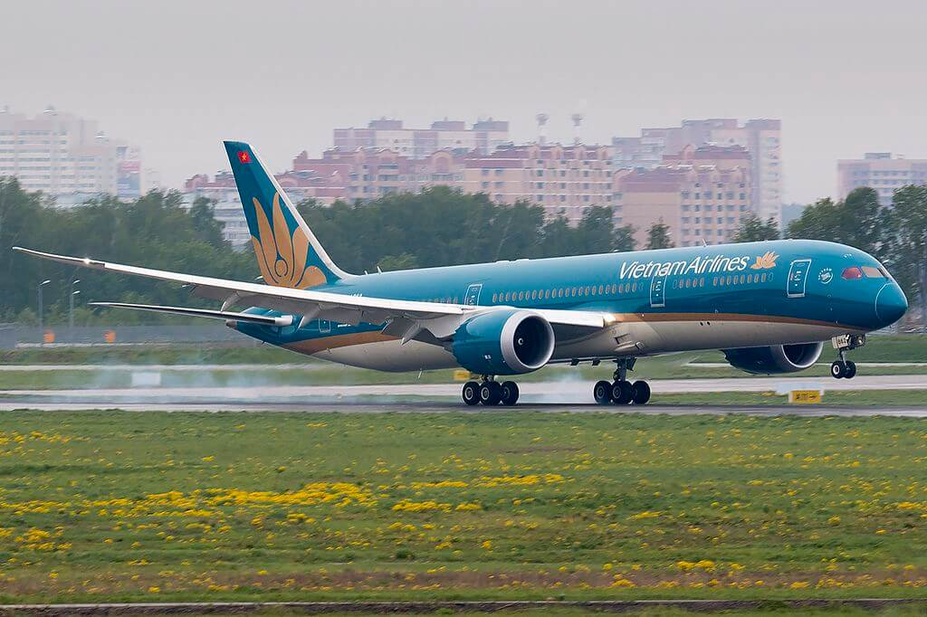 Boeing 787 9 Dreamliner VN A862 Vietnam Airlines aircraft at Vnukovo International Airport
