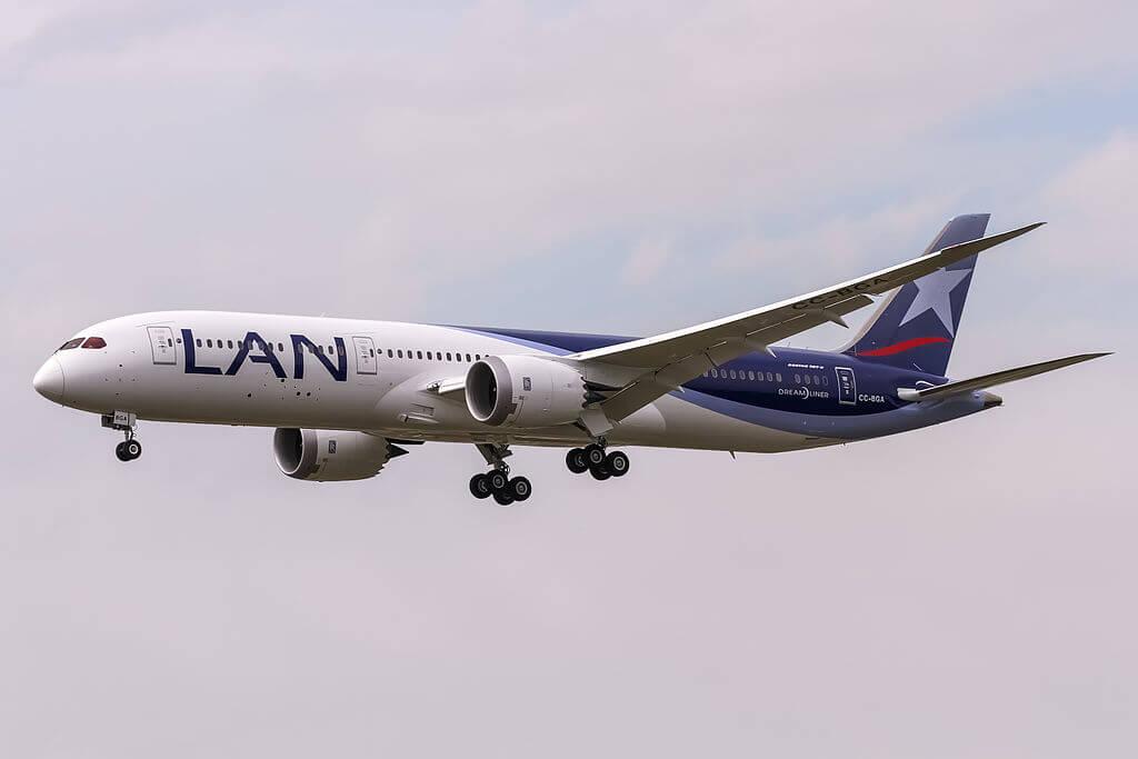 CC BGA LAN Airlines LATAM Boeing 787 9 Dreamliner at Frankfurt Airport