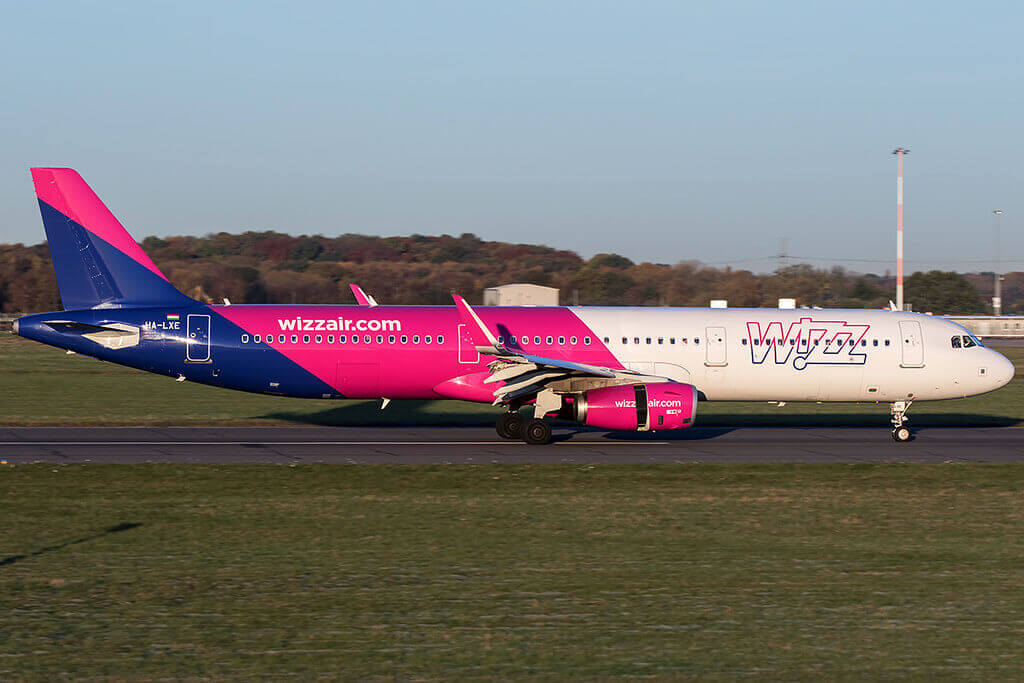 HA LXE Wizz Air Airbus A321 231WL at Doncaster Sheffield Airport