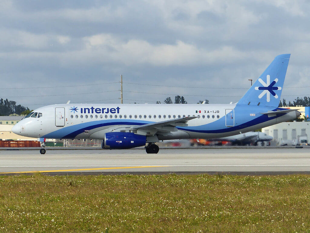Interjet XA IJR Sukhoi Superjet 100 at Cancun Airport