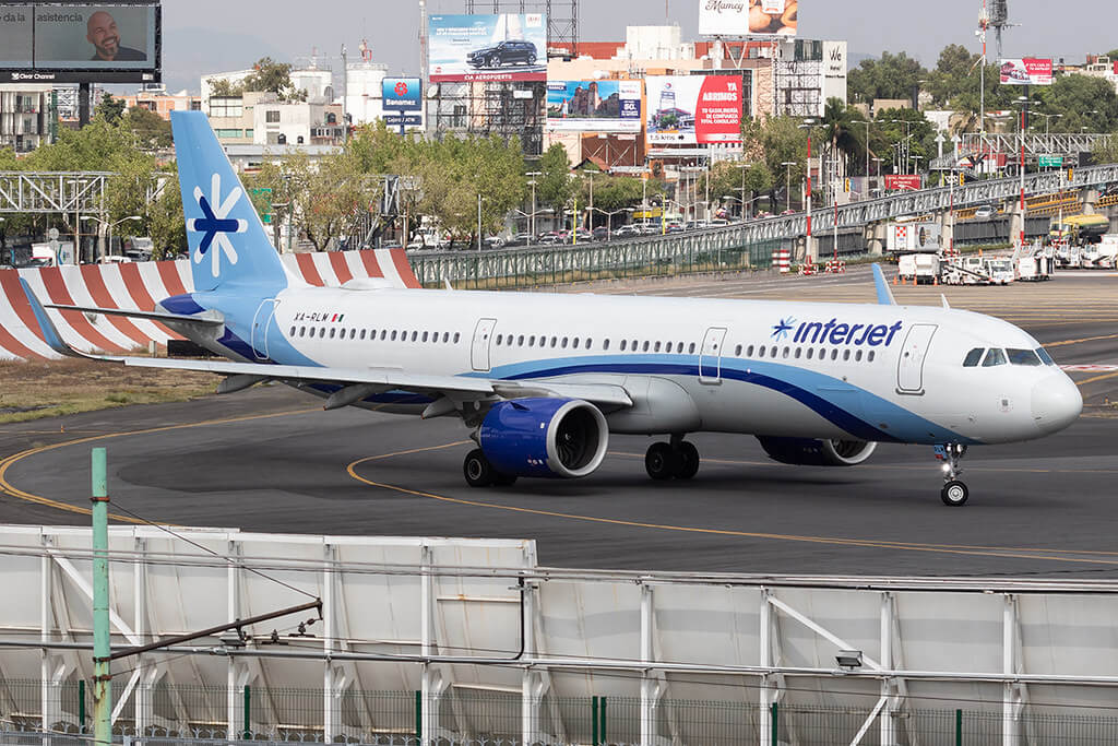 Interjet XA RLM Airbus A321neo at Benito Juarez International Airport