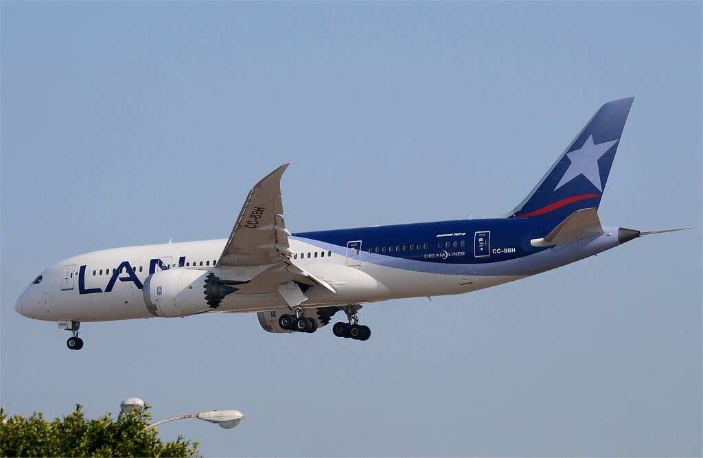 LAN Airlines LATAM CC BBH Boeing 787 8 Dreamliner at LAX