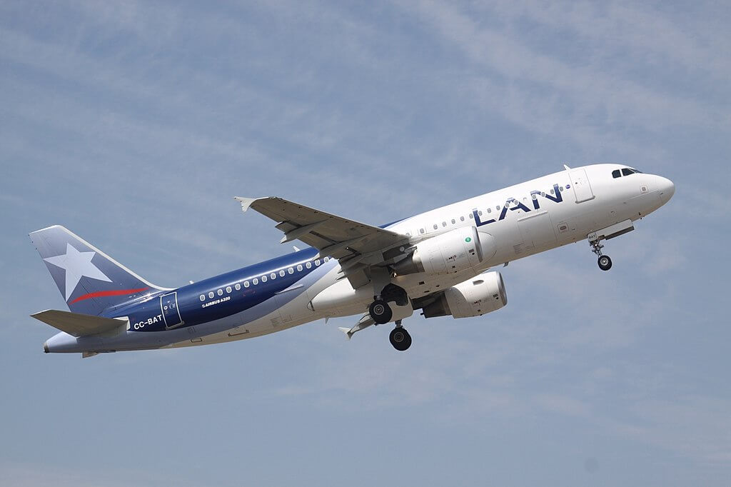 LAN LATAM CC BAT Airbus A320 200 at Comodoro Arturo Merino Benítez International Airport