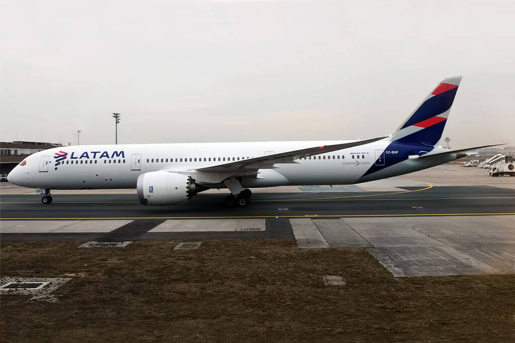 LATAM Airlines Chile CC BGF Boeing 787 9 Dreamliner at Frankfurt Airport