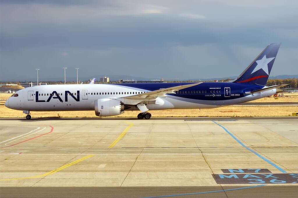 LATAM Chile CC BGH Boeing 787 9 Dreamliner at Frankfurt Airport