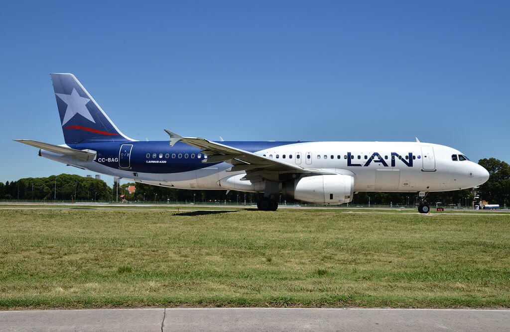 LATAM Chile LAN Airbus A320 232 CC BAG at Aeroparque Jorge Newbery