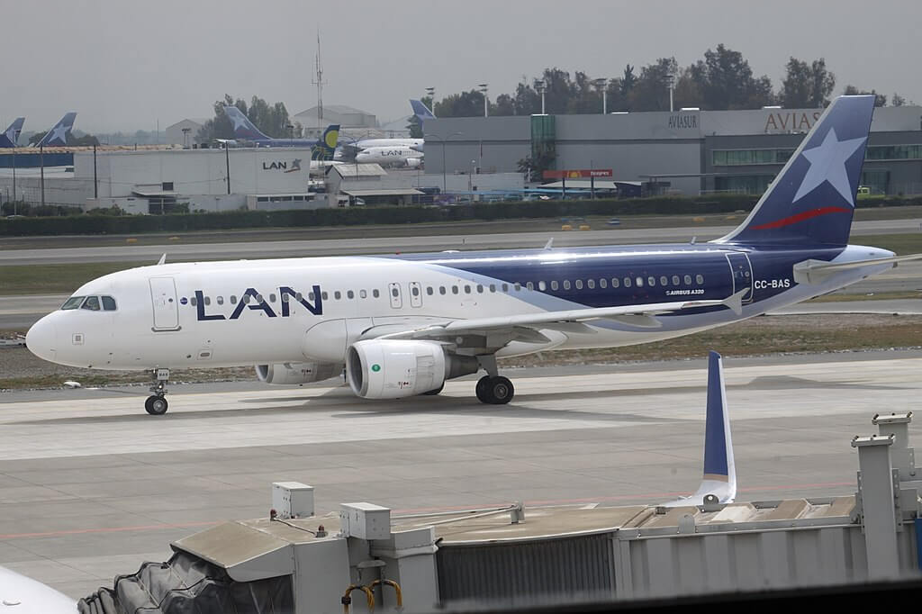 LATAM LAN CC BAS Airbus A320 200 at Comodoro Arturo Merino Benítez International Airport