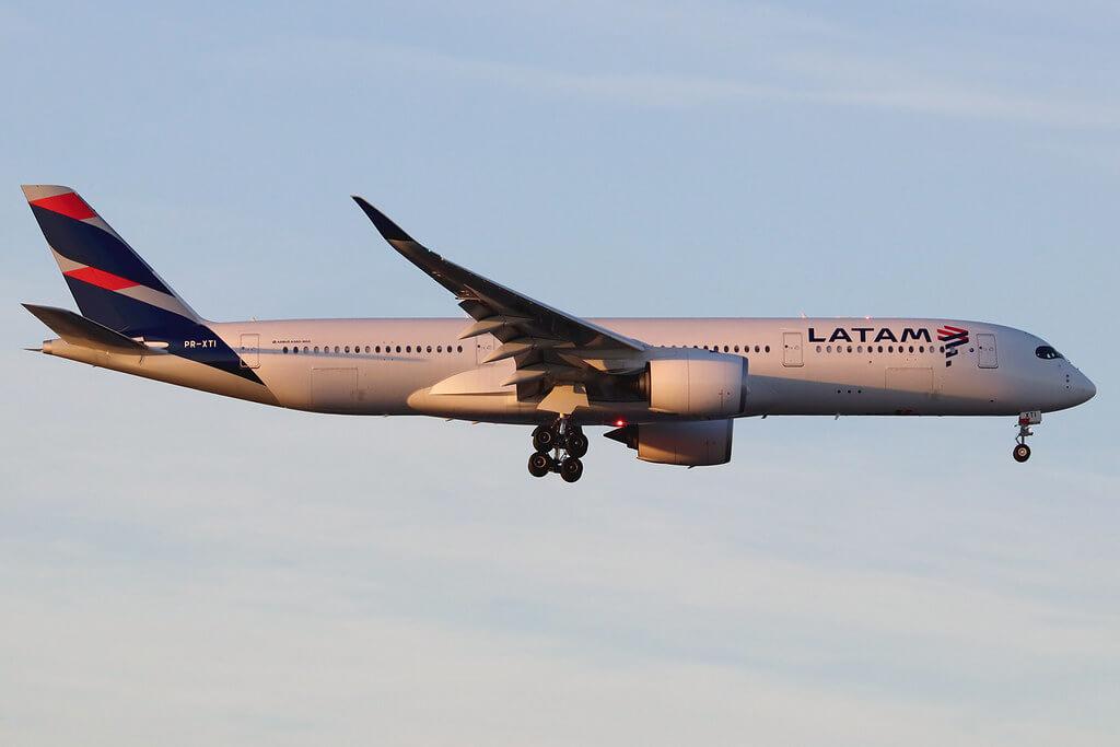 PR XTI Airbus A350 941 LATAM Airlines Brasil