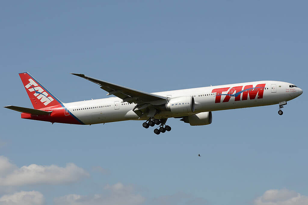 PT MUC Boeing 777 32WER of TAM Linhas Aéreas LATAM at London Heathrow Airport