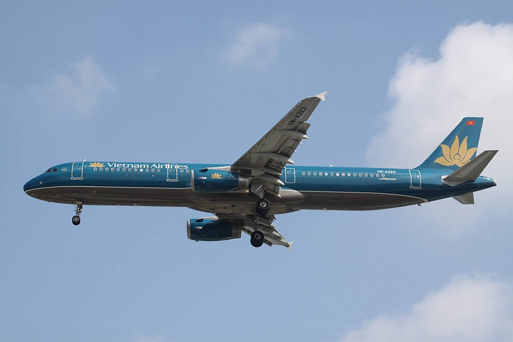 VN A323 Airbus A321 200 Vietnam Airlines at Tan Son Nhat International Airport