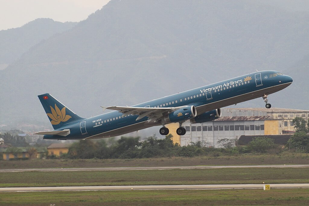 VN A331 Airbus A321 200 Vietnam Airlines at Hanoi Noi Bai International Airport