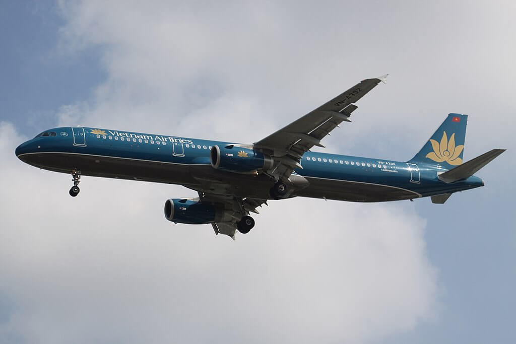 VN A332 Airbus A321 200 Vietnam Airlines at Tan Son Nhat International Airport