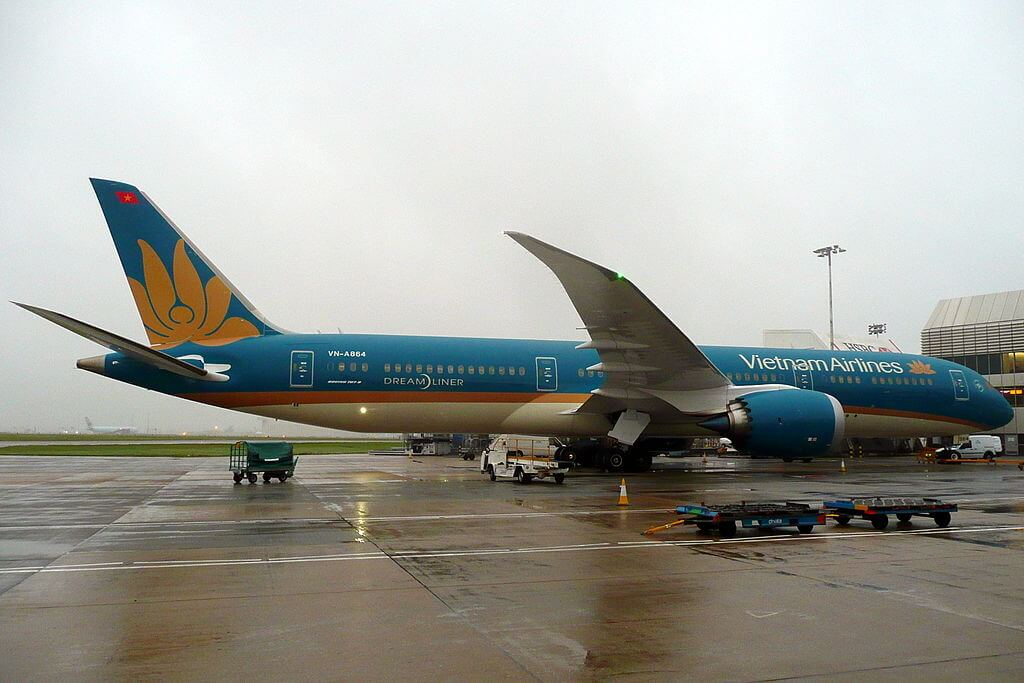 VN A864 Boeing 787 9 Dreamliner Vietnam Airlines at London Heathrow Airport