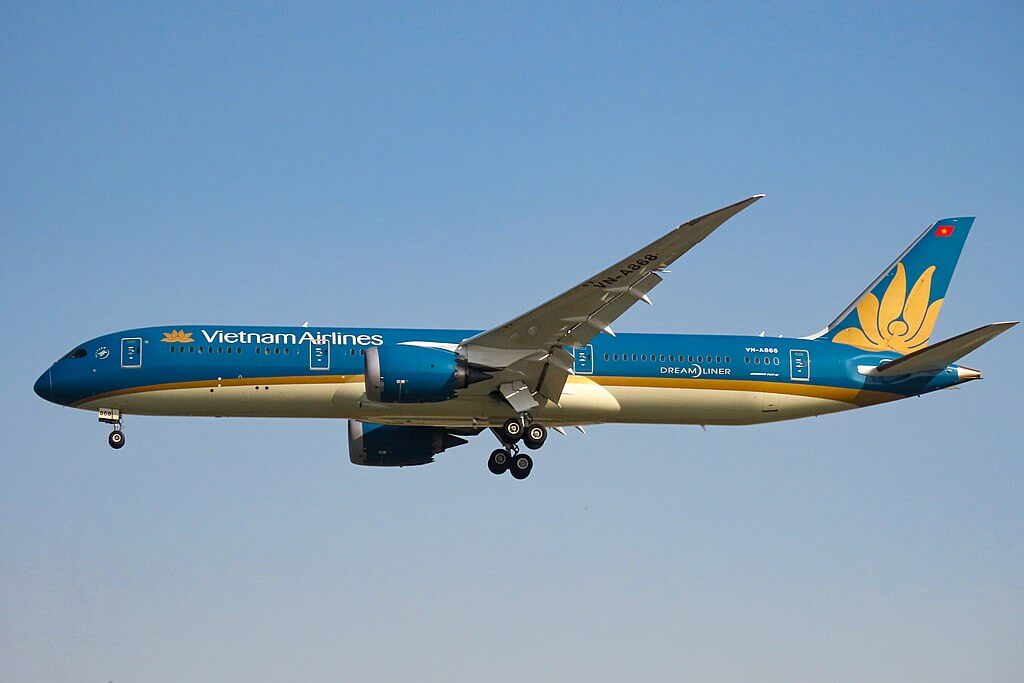 VN A868 Boeing 787 9 Dreamliner Vietnam Airlines at Beijing Capital International Airport