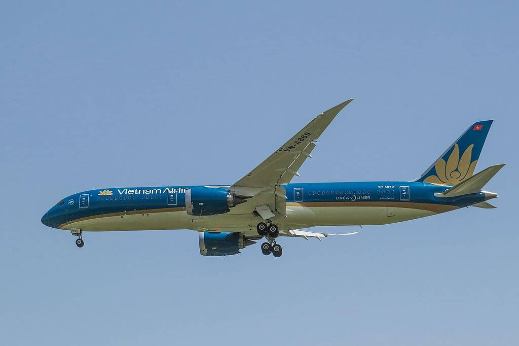 VN A869 Boeing 787 9 Dreamliner Vietnam Airlines at Beijing Capital International Airport