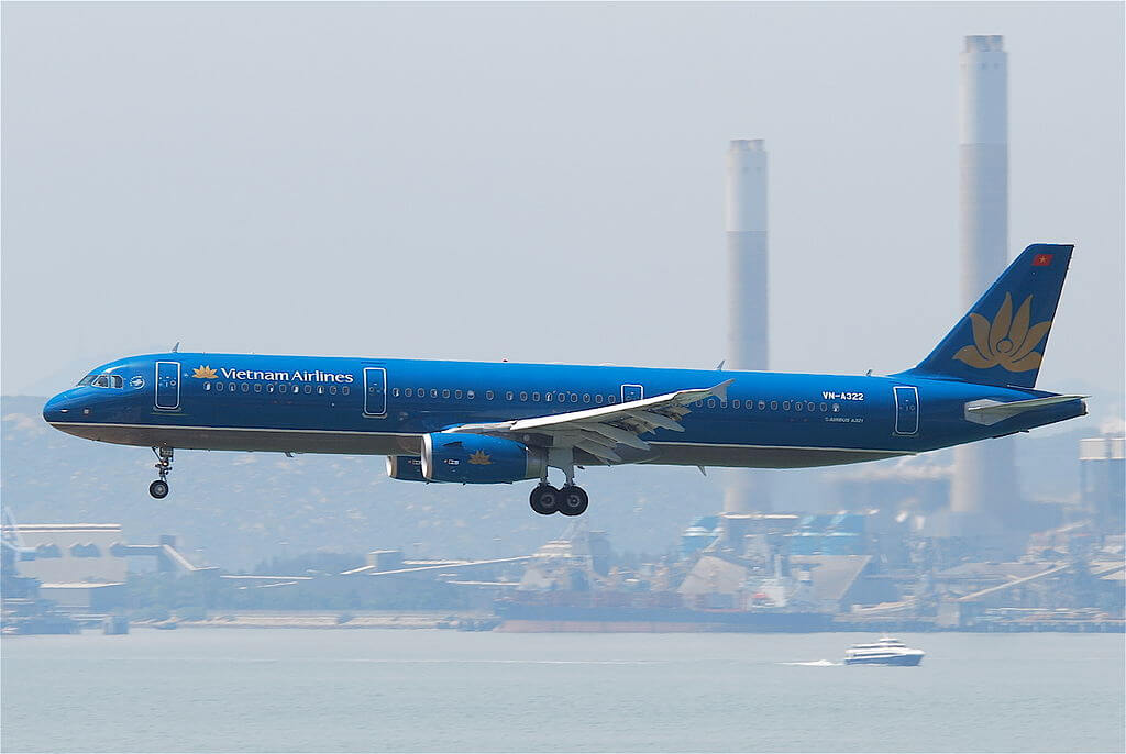 Vietnam Airlines Airbus A321 231 VN A322 at Hong Kong International Airport