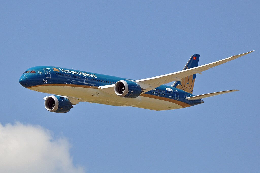 Vietnam Airlines Boeing 787 9 Dreamliner VN A861 at Paris Air Show 2015