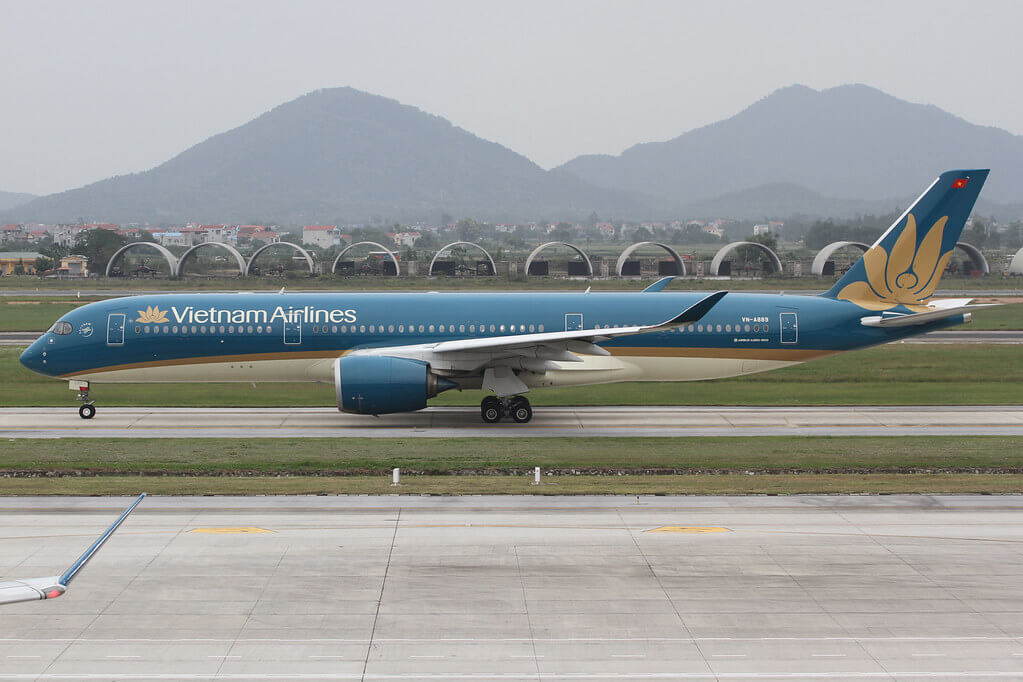 Vietnam Airlines VN A889 Airbus A350 941 at Noi Bai International Airport