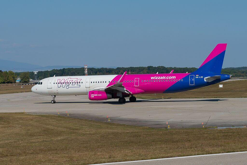 Wizz Air HA LXD Airbus A321 231 at Geneva International Airport