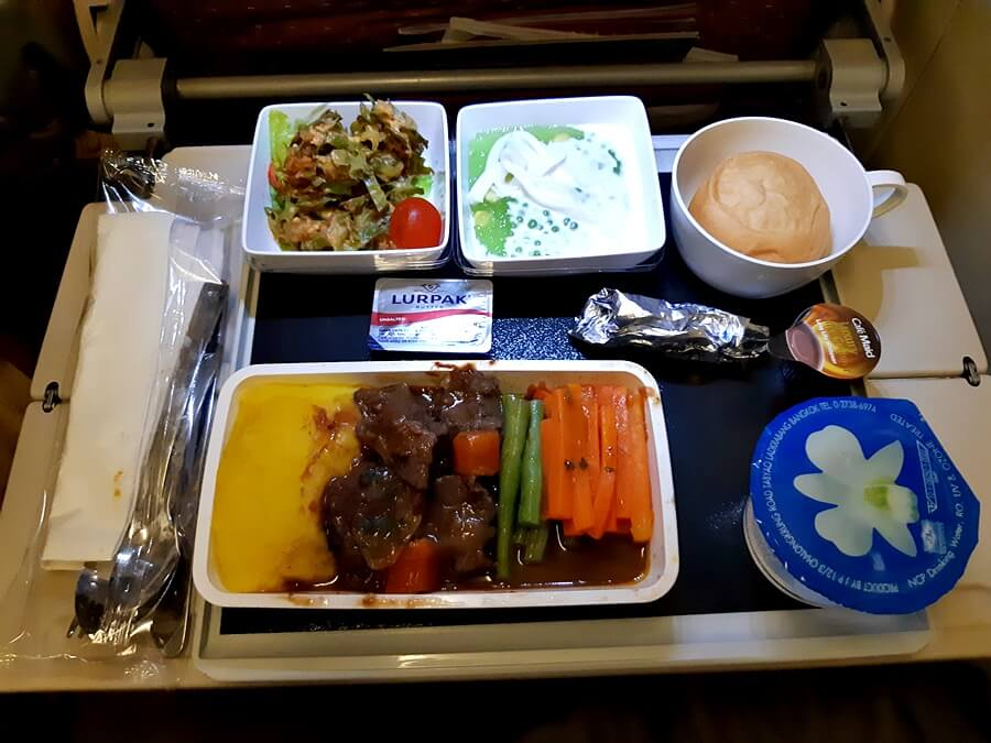 Singapore Airlines Airbus A330 300 economy class meal services