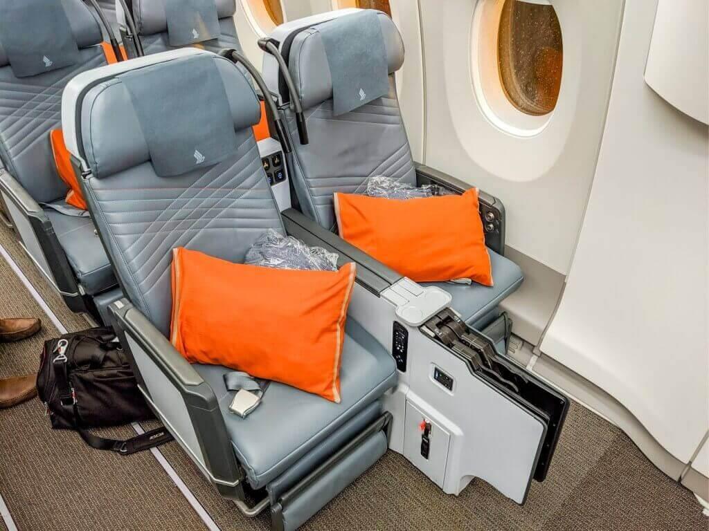 Singapore Airlines Airbus A350 900 Premium Economy bulkhead seats