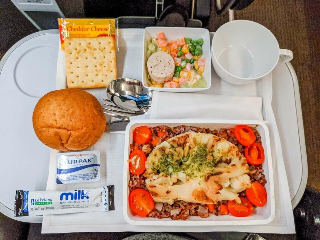 Singapore Airlines Airbus A350 900 Premium Economy meal services