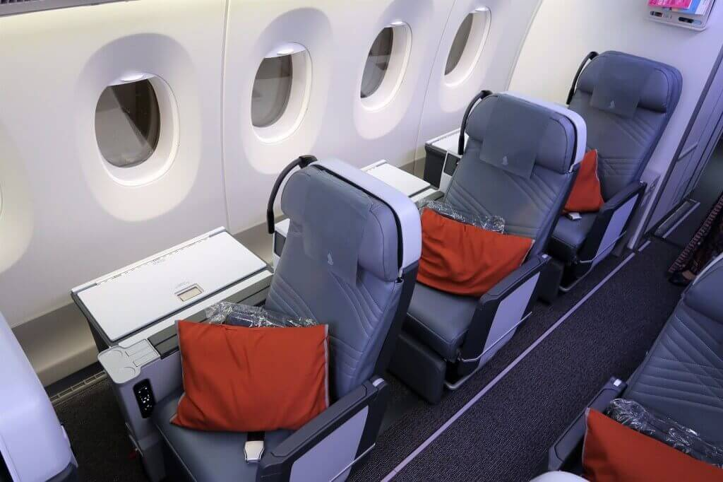 Singapore Airlines Airbus A350 900 Premium Economy single seats