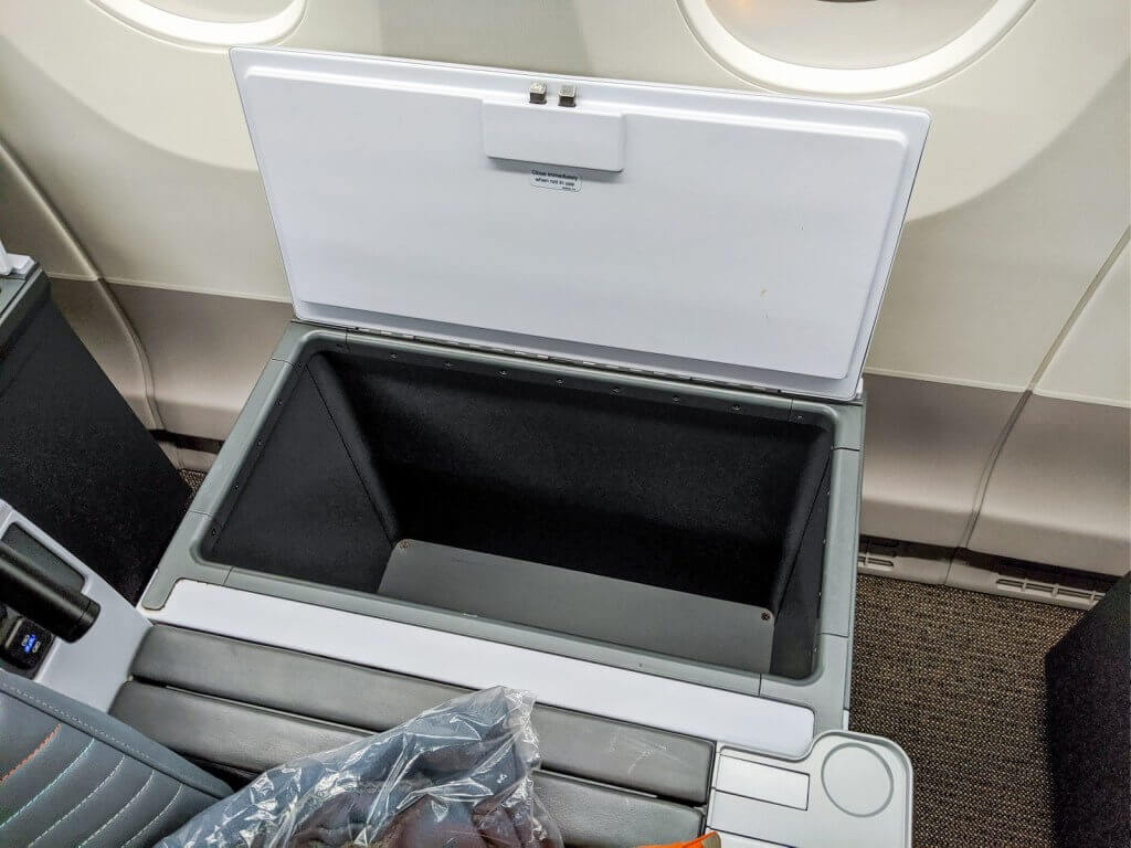 Singapore Airlines Airbus A350 900 Premium Economy storage box
