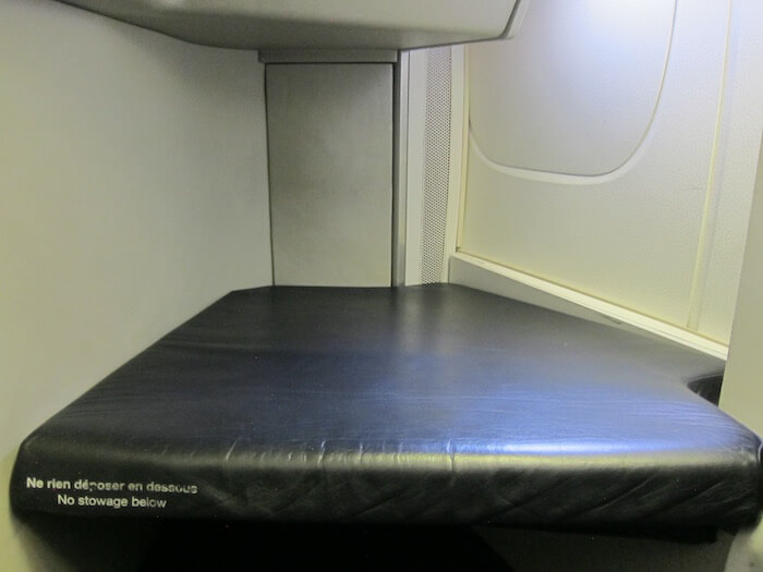 Air France Boeing 777 300ER business class seat legroom