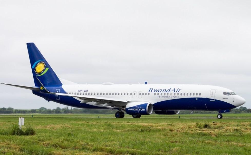 RwandAir 9XR WR Boeing 737 800 Muhabura