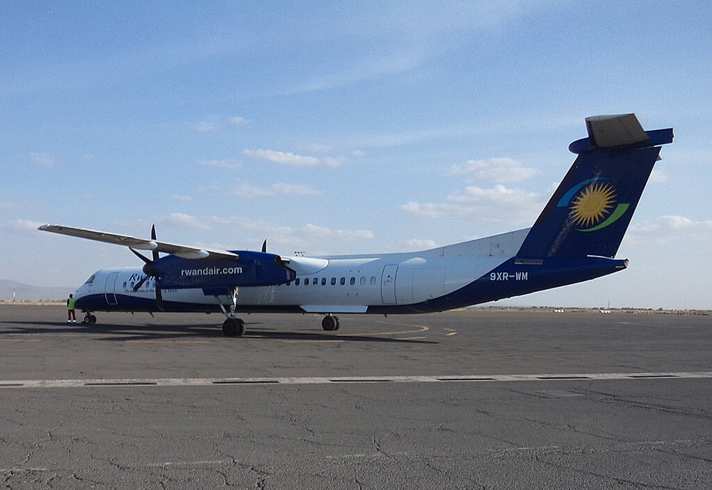 Rwandair Bombardier Dash 8 Q400 DHC8 400 9XR WM at Kilamanjaro