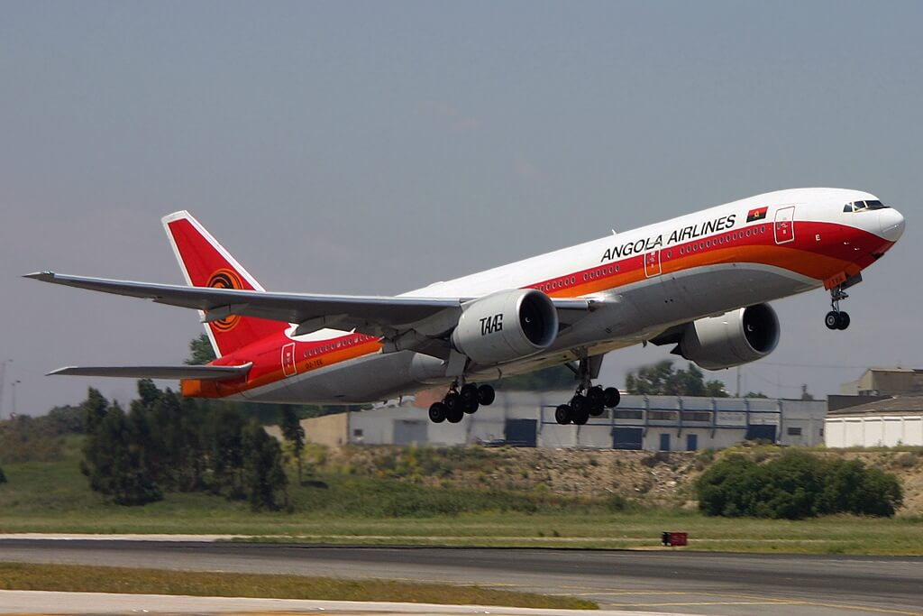 TAAG Angola Airlines Boeing 777 2M2ER D2 TEE Kuito Kuanavale at Lisbon Airport