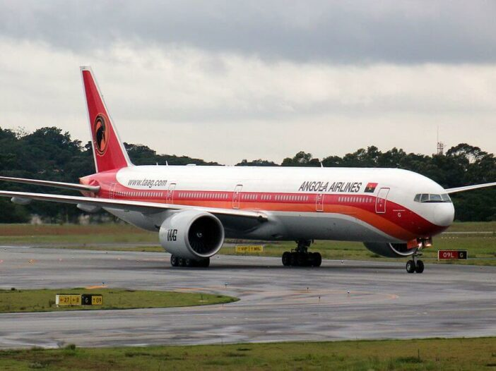 TAAG Angola Airlines D2 TEG Boeing 777 300ER Sagrada Esperanca at Sao Paulo Guarulhos International Airport