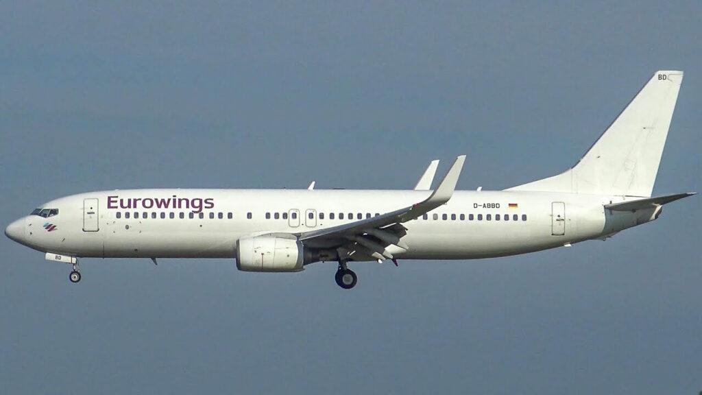Eurowings TUIfly Boeing 737 86J D ABBD Landing at Hamburg
