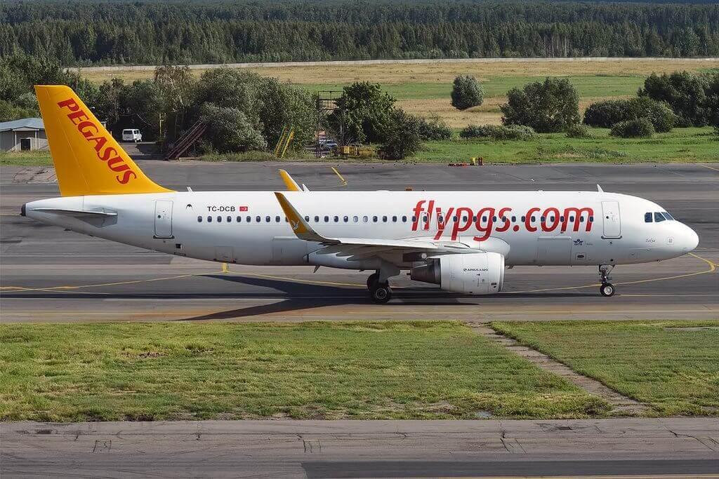 Pegasus Airlines TC DCB Airbus A320 214 Talya at Domodedovo International Airport