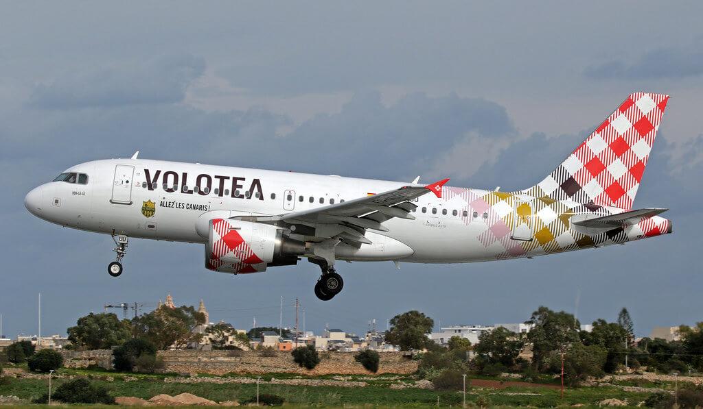 Volotea Airbus A319 111 EC MUU Voh lala at Malta