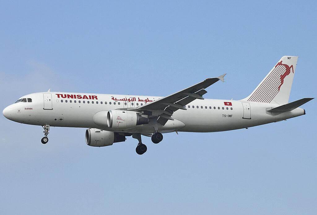 Airbus A320 211 Tunisair TS IMF Djerba جربة at Fiumicino Airport